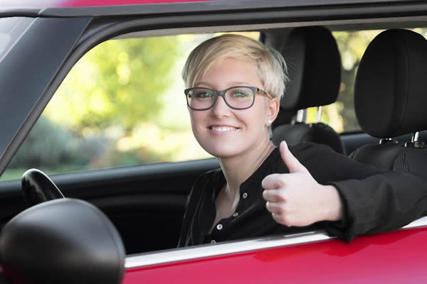 Sehtest für Führerschein und Autofahrer bei Optiker Zach Aschaffenburg (Mainaschaff)